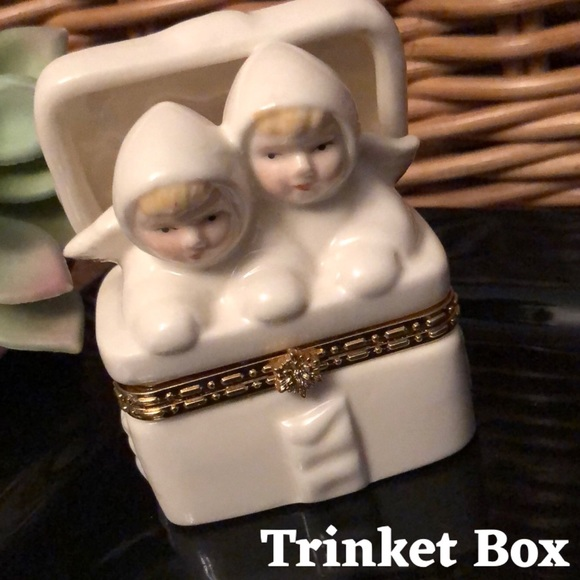 "Ceramic ""Angel"" Trinket Box-2.5x1.75-White-EUC"